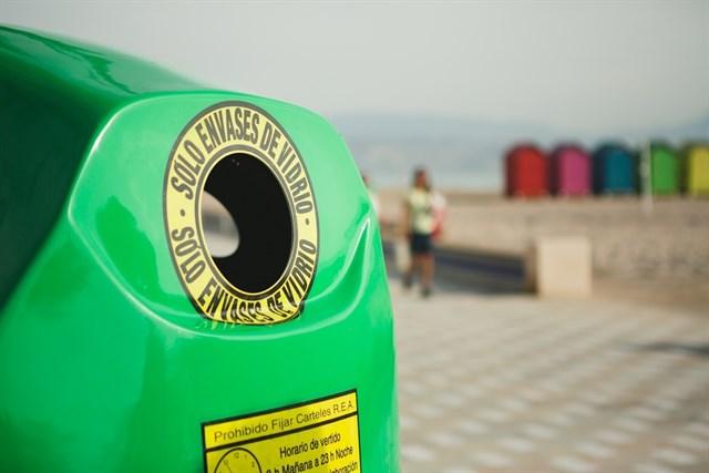 El plan estival de reciclaje de Ecovidrio logra incrementar un 14% el reciclado de vidrio en Andalucía