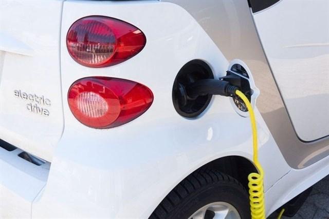 Europa lanza un 'potente' plan para incentivar la producción de vehículos limpios