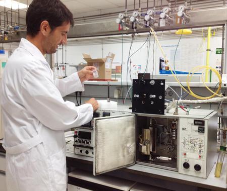 Platino para mejorar 'notablemente' los catalizadores de biocombustible