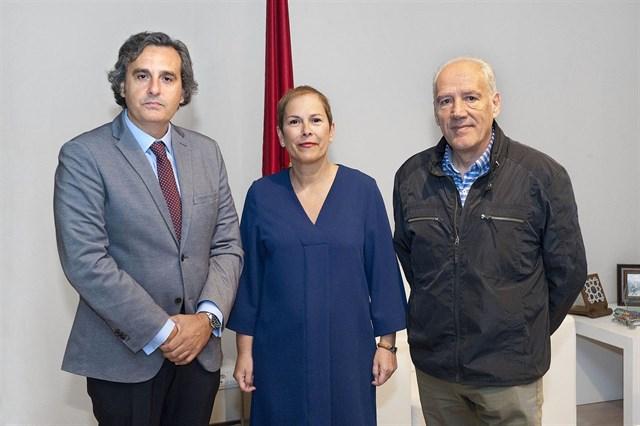 Barkos recibe a representantes de la Asociación de Productores de Energía Fotovoltaica (ANPIER)