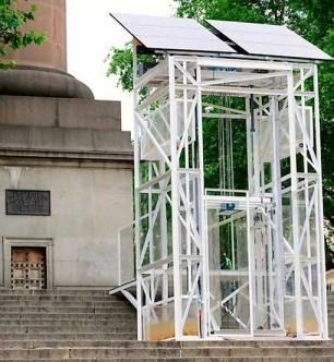 El ascensor que funciona con energía solar y agua