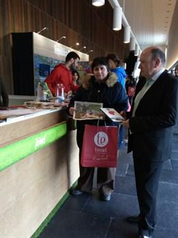 Teruel presenta su guía de naturaleza y su gastronomía en Navarra