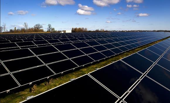 El fomento de la fotovoltaica lo hay en TODOS los países de la UE, pero el déficit de tarifa sólo lo soportan los españoles