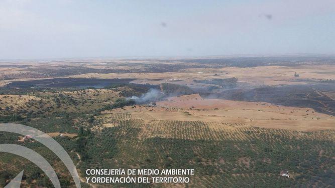 El Infoca da por extinguido el incendio forestal en Guadalcanal (Sevilla)