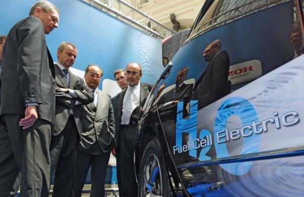 Modelo FCX Clarity. Honda, primer coche eléctrico que funciona con hidrógeno