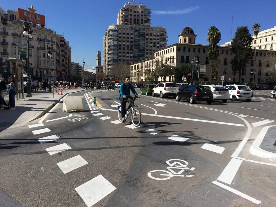 Una marcha en bici parte de València a Cuenca para reclamar la transición a una política de transporte sostenible