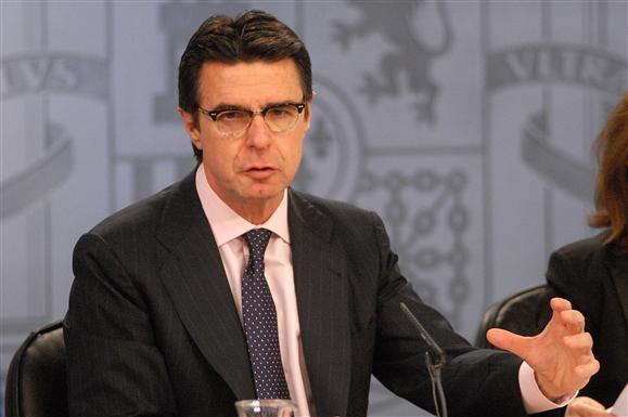 El Ministro Soria, el mundo al revés, y comparar el sistema alemán de energías renovables con el español