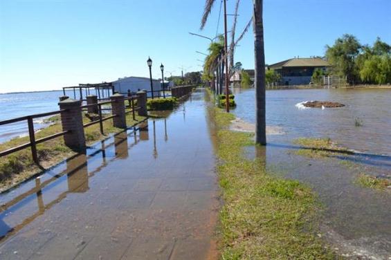 Argentina. Medio centenar de familias evacuadas por la crecida del río Paraná
