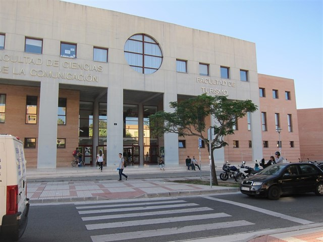 Cederán cinco vehículos eléctricos a la UMA para analizar la movilidad en la comunidad universitaria malagueña