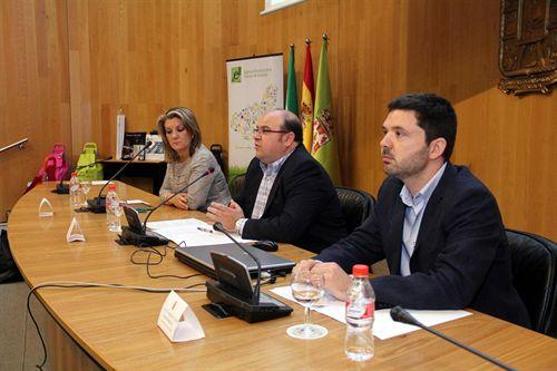 Granada. 'Vecinos por el clima' aborda la rehabilitación energética en los edificios