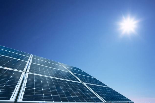 Una planta fotovoltaica creará 1.000 puestos de trabajo en Mérida