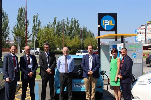 Inaugurados en Bizkaia los primeros puntos de recarga rápida para vehículo eléctrico desarrollados por empresas vascas