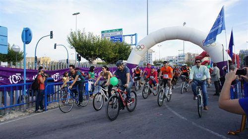 Valencia. La segunda edición del Día de la Bici moviliza a más de 2.000 ciclistas