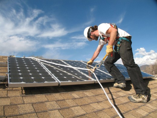 El autoconsumo y la generación eléctrica renovable distribuida podrían generar 136.000 empleos