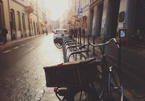 Ejemplos de ciudades españolas para disfrutar en bicicleta