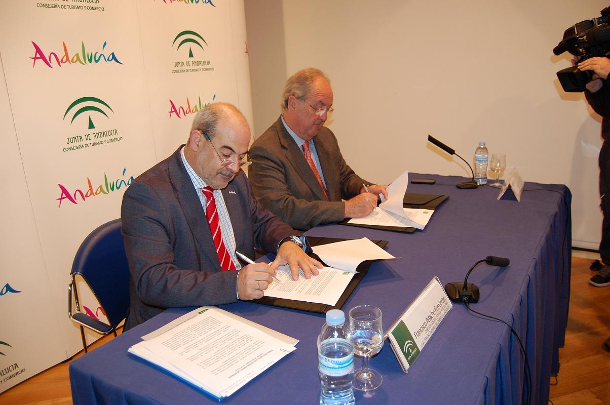 APREAN firma un protocolo para potenciar el turismo industrial que ofrecen las energías renovables de Andalucía
