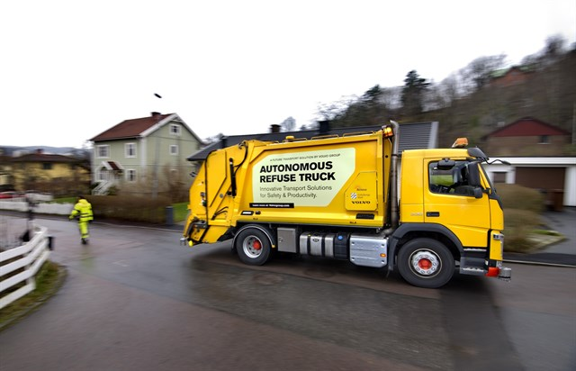 Volvo Trucks y Renova investigan mejorar la gestión de residuos con camiones automatizados