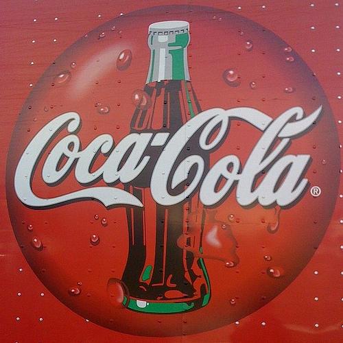 Envase sostenible hecho con material de origen vegetal para Coca Cola
