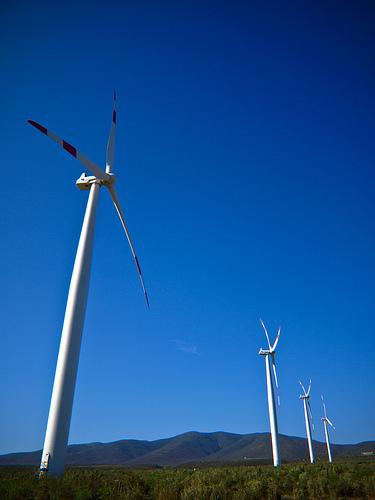 Una tesis aporta mejoras para que los aerogeneradores operen a muy altas potencias y bajo una conexión de red más estable