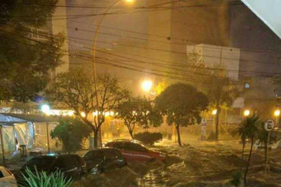 Argentina. Un fuerte temporal de lluvia y granizo azotó a Villa Carlos Paz
