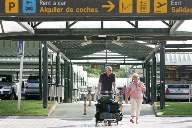 El Aeropuerto de Menorca renueva el certificado que acredita su reducción de CO2