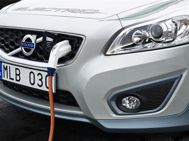 El PP quiere impulsar la demanda y uso del coche eléctrico