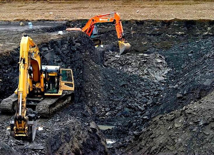 Ecuador promete crear empleos invirtiendo en minería