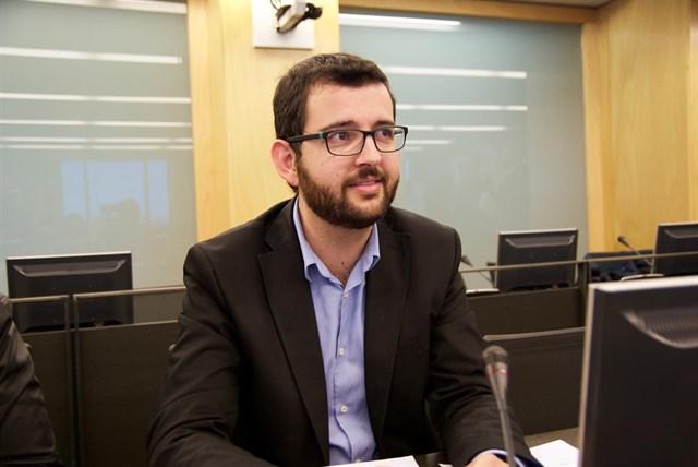 Compromís pide al Gobierno que las eléctricas informen en su publicidad de sus emisiones de CO2