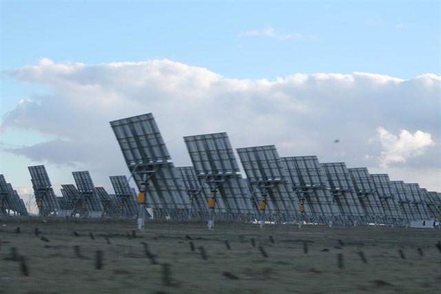 AVAESEN insta al Consell a aprobar un procedimiento exprés para instalar plantas fotovoltaicas