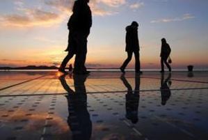 Paneles solares flotando en el agua: nuevo paradigma israelí en energía solar
