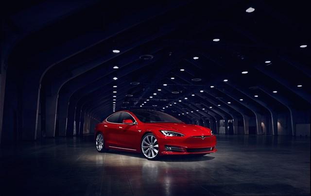 Tesla abrirá este mes en L'Hospitalet (Barcelona) su primera tienda en España