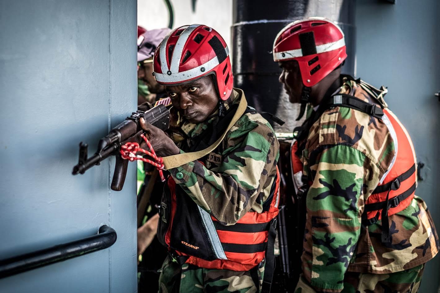 Gran barco arrastrero detenido en una operación encubierta de Sea Shepherd Global con las Autoridades Liberianas
