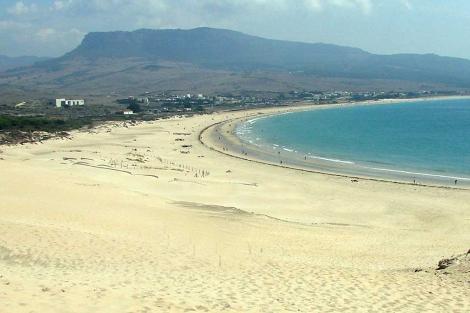 Investigan el robo de arena en Valdevaqueros