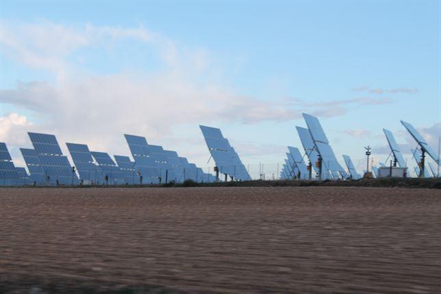 El nuevo decreto de energías renovables 'fulmina' las retribuciones excepcionales tras la vida útil de la planta