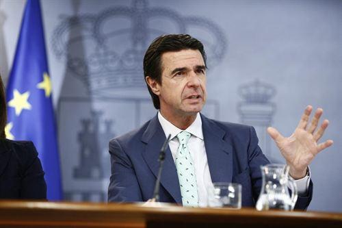 Según Soria los inversores internacionales están 'encantados' con la reforma energética…