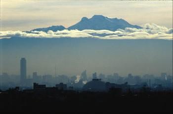 La prohibición de vehículos no frena la contaminación en Ciudad de México