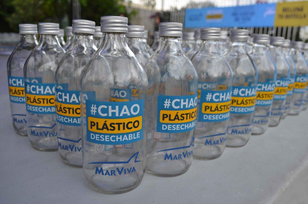 Menos botellas contaminarán nuestros mares