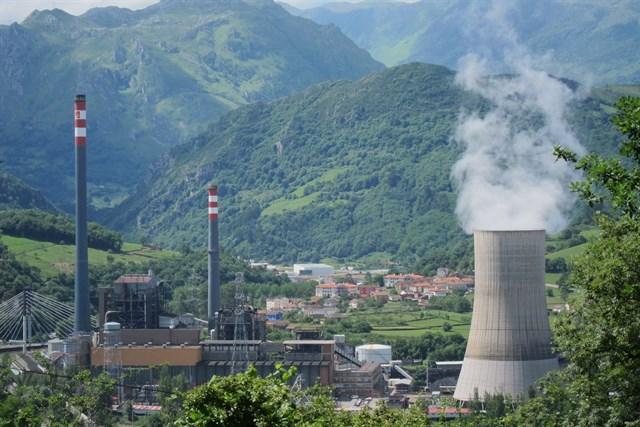 El TSJA obliga al Principado a restringir los valores límite de emisión de la central de Soto de Ribera
