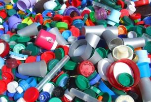 Innovadora técnica convierte el plástico en petróleo