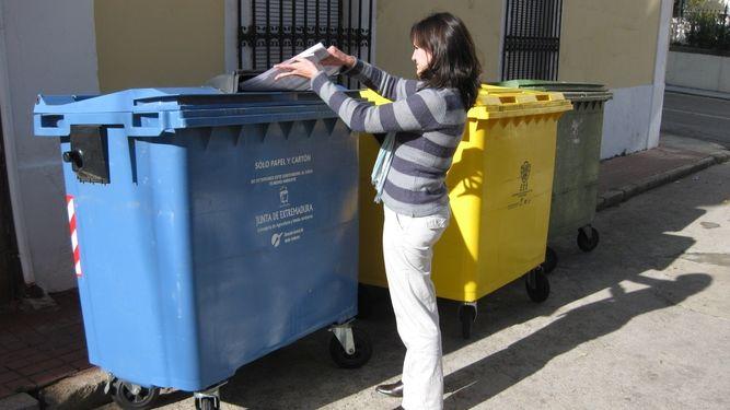 Los hogares extremeños tienen una media de 2,5 cubos para reciclaje, según un estudio