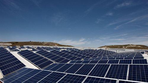 España instala la mayor planta fotovoltaica de Chile