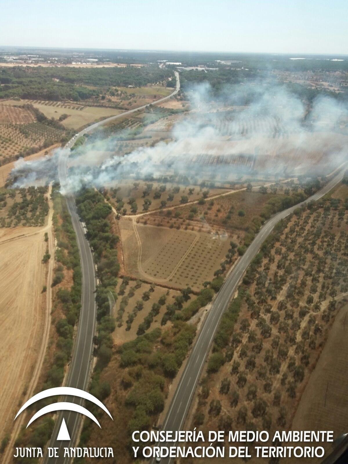 Controlado el incendio declarado en el paraje 'El Corchito' de Bonares (Huelva)