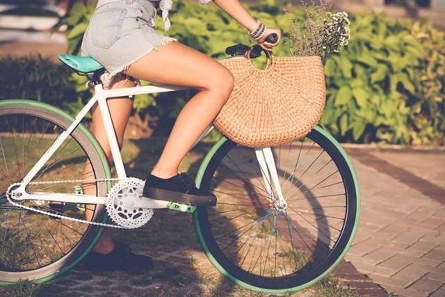 Montar en bicicleta, 'una grandísima idea'