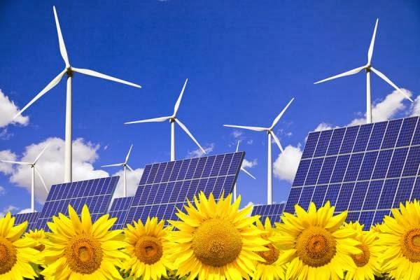 El sector de las energías renovables andaluz pide a la Junta que lleve al Constitucional la 'reforma'