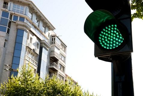 El Ayuntamiento destinará 24,26 millones a cambiar 600 semáforos por luces LED