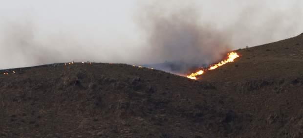 Un cable de alta tensión, posible causa del fuego que ha arrasado 70 hectáreas en Cabo de Gata