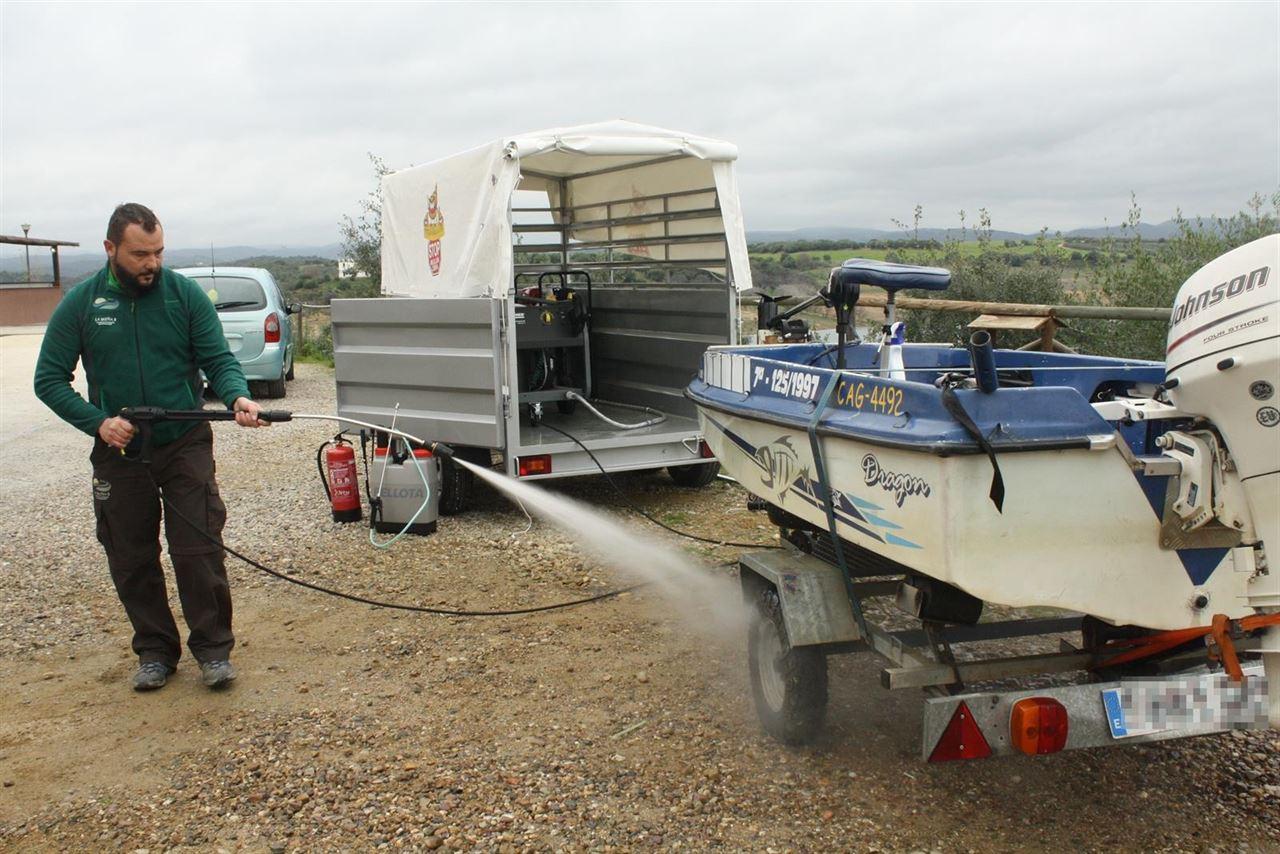 Lucha contra las especies exóticas invasoras, primera estación móvil de desinfección de mejillón cebra en la cuenca del Guadalquivir