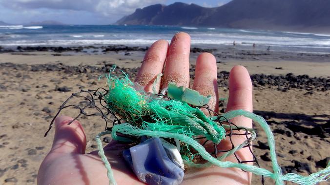 Dramático, los océanos 'anegados' de plásticos
