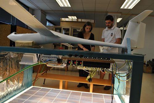 La UPC construye el primer avión solar de España desarrollado por estudiantes
