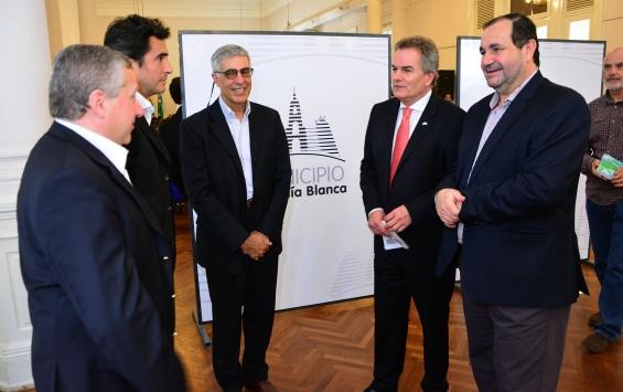 Argentina. Presentaron dos parques eólicos para Bahía Blanca